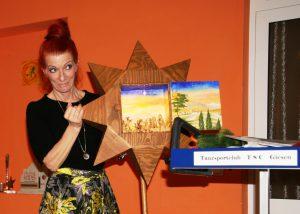 Susanne Kiesel mit dem Stern von Bethlehem bei der TSC-Weihnachtsfeier 2018