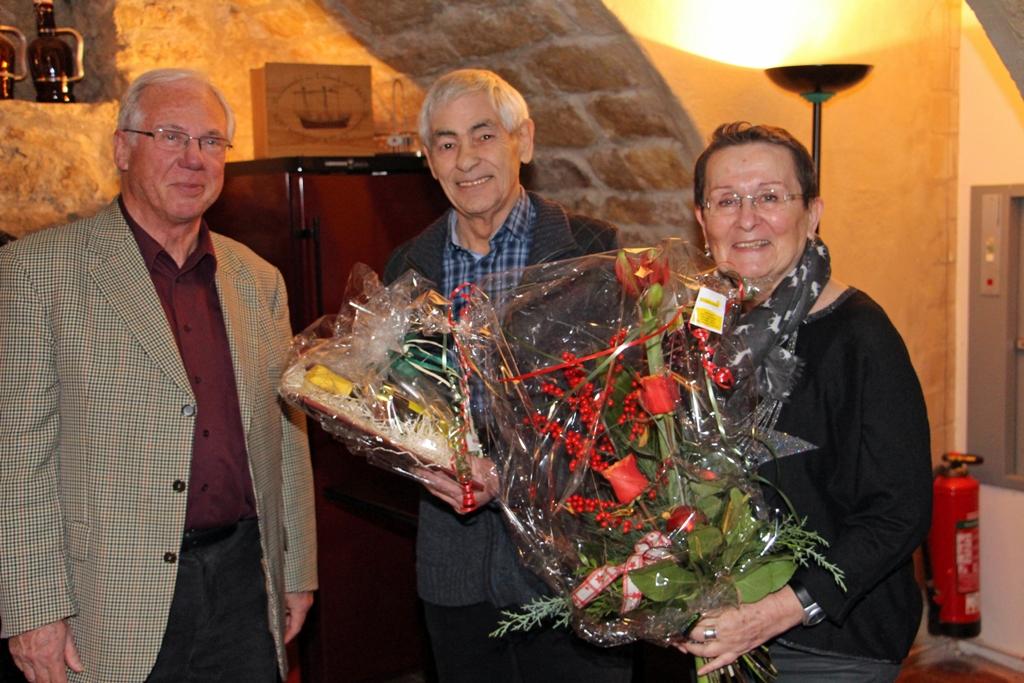 TSC Schwarz-Gold-Giesen e.V. - Vorsitzender Klaus Gothe mit Trainerpaar - Foto: Gerhard Peisker