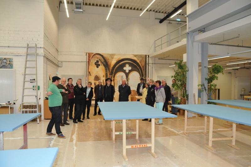 Tanzsportclub TSC Schwarz-Gold-Giesen e.V. - Besichtigung der Produktionsstaette des TfN im Gueldenfeld am 23.04.2016 - Im Malsaal